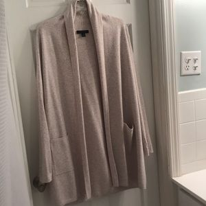 Beautiful Ann Taylor sweater